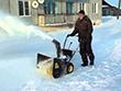 Снегоуборщик Huter SGC 4000 - фото Снегоуборщик Huter SGC 4000 в работе