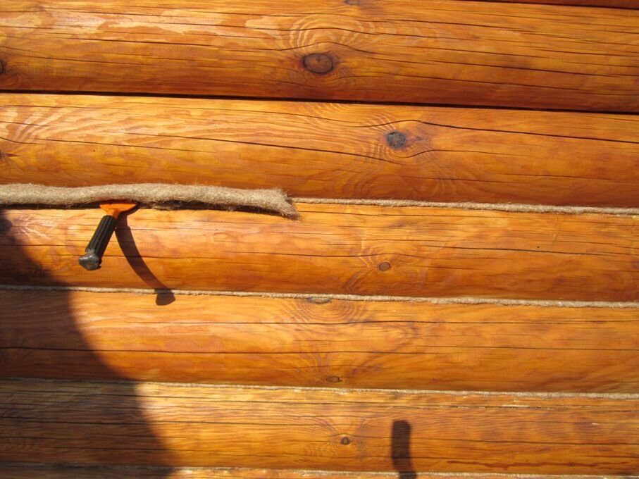 Какие плюсы у герметика для швов сруба перед конопаткой сруба? - фото pic_b8d42340220b0c8_1920x9000_1.jpg