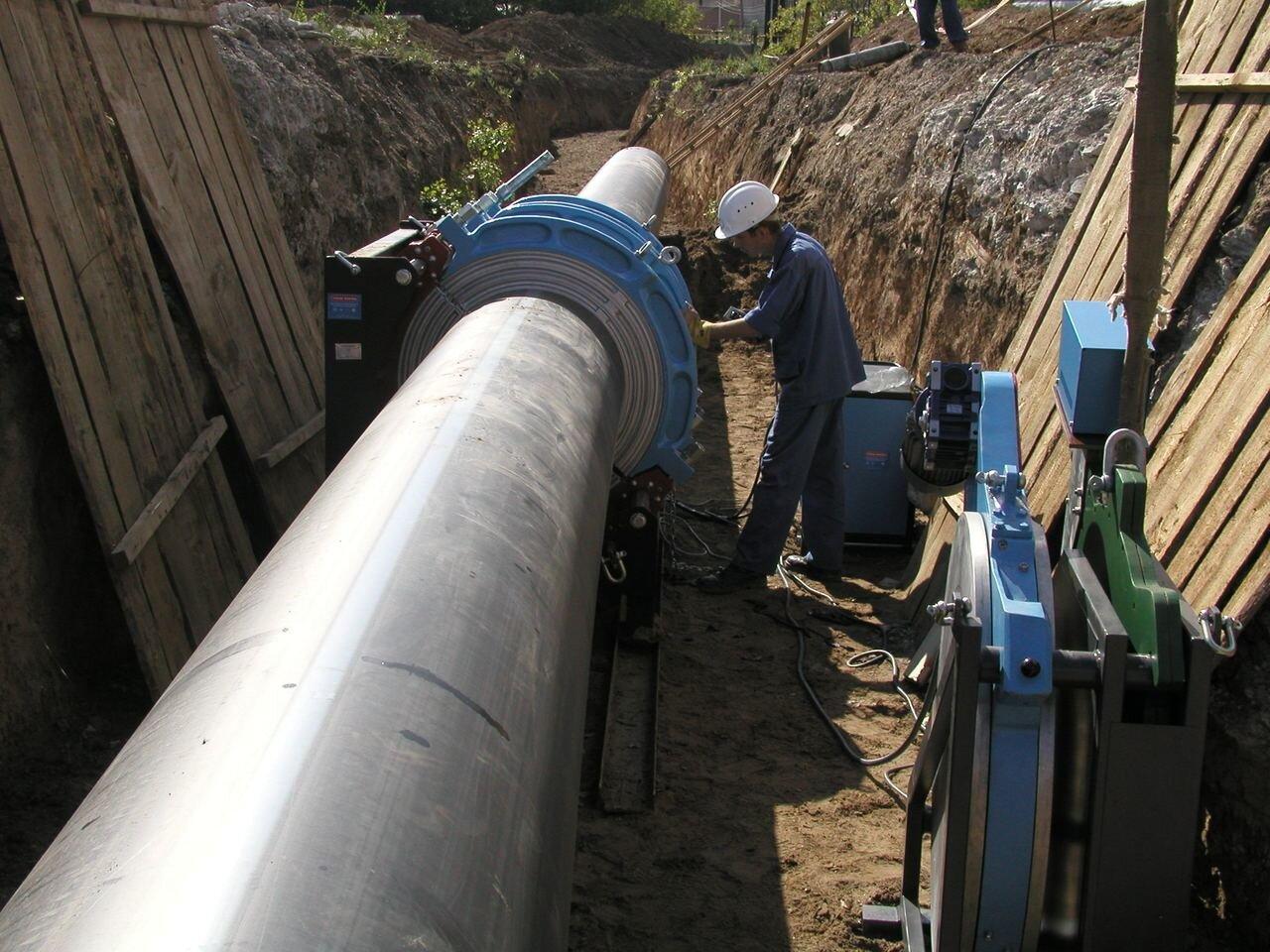 Каболка канализационная, водопроводная - фото соединения труб