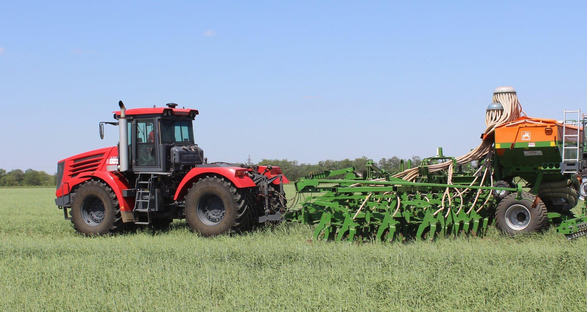КИРОВЕЦ: трактор с государственным подходом - фото pic_d4e4c26e5cef93c_1920x9000_1.jpg