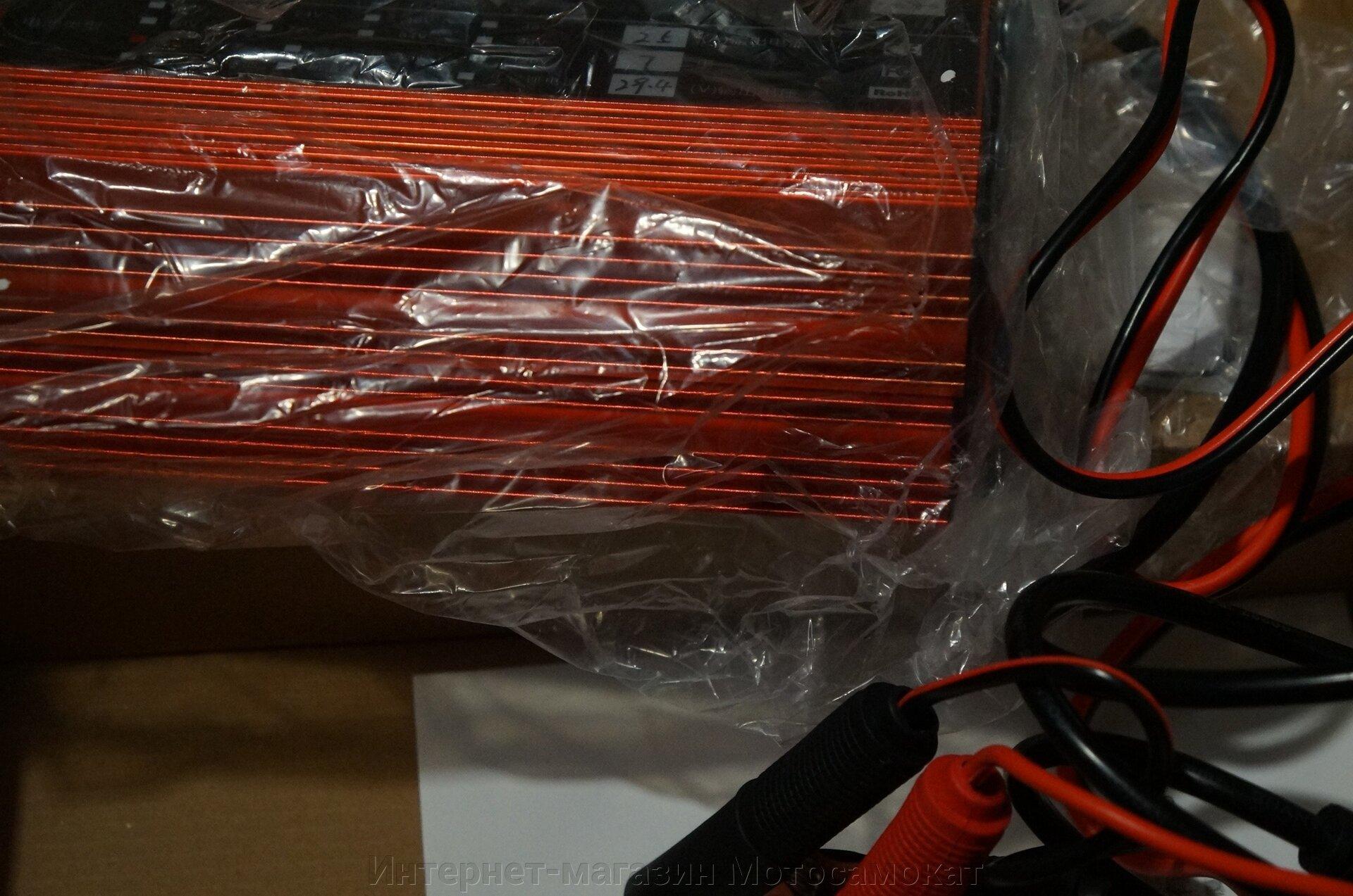 Зарядка 24 вольта 25 ампер для зарядки литиевых (Li-Ion, собранных по схеме 7S) и гелевых (SLA) аккумуляторных батарей.