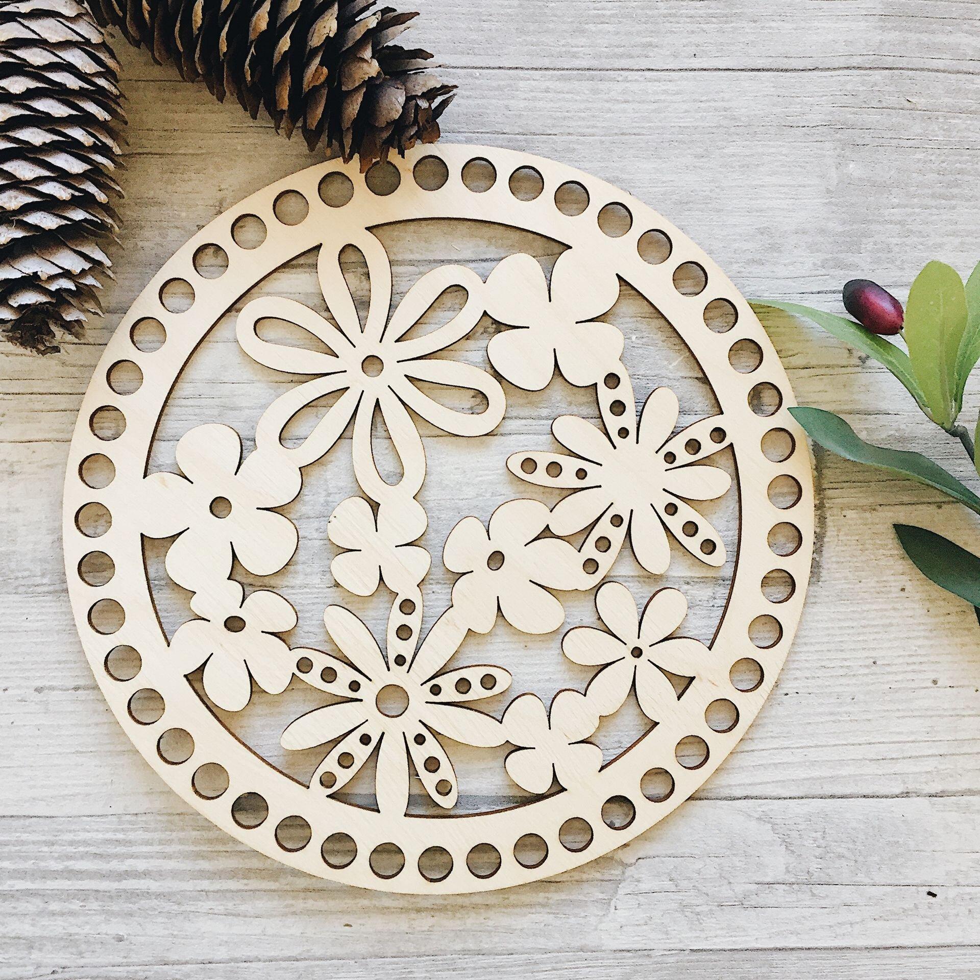 Деревянная резная крышка для корзинки, круг с цветочками 20см - фото pic_9c758715419ee4e_1920x9000_1.jpg