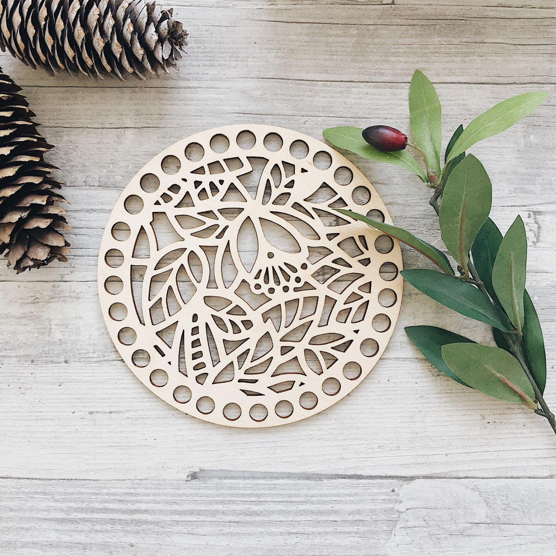 Деревянная резная крышка для корзинки, круг с листиками 15см - фото pic_f3000f1ef7e50af_1920x9000_1.jpg