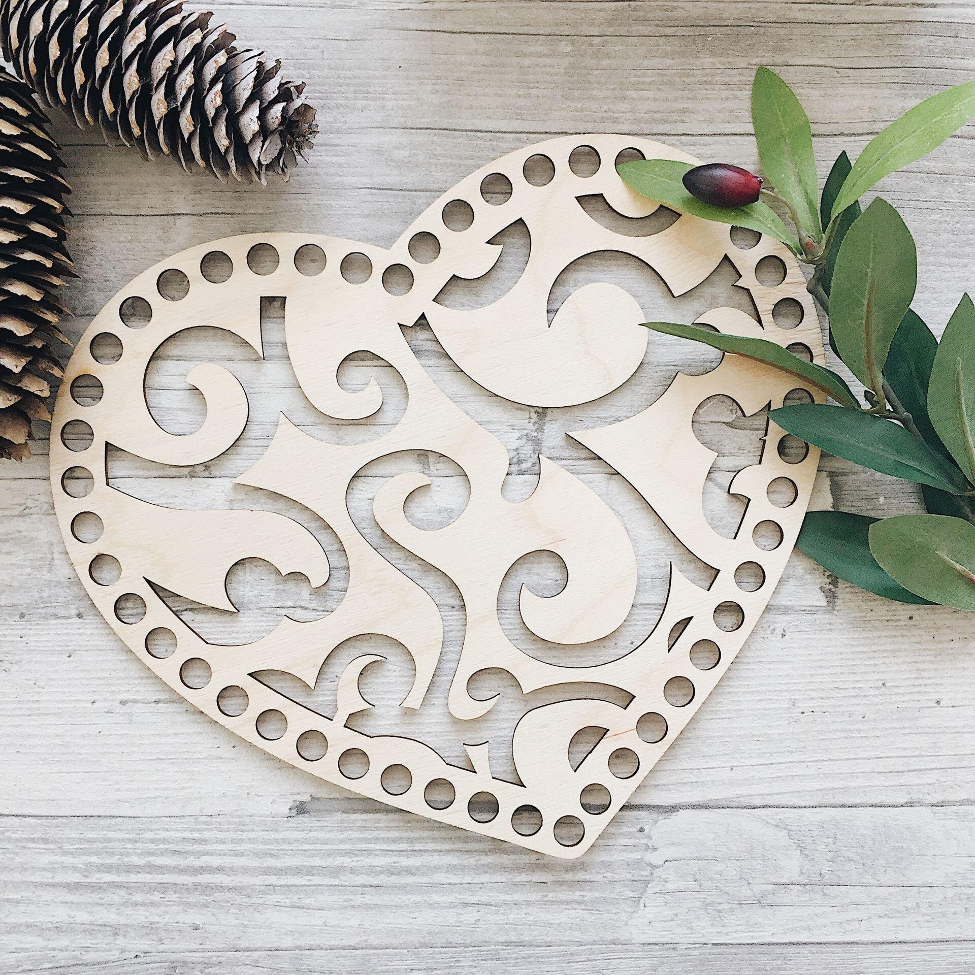 Деревянная резная крышка для корзинки,  сердце 30х26см - фото pic_f9c4f5e0e551640_1920x9000_1.jpg