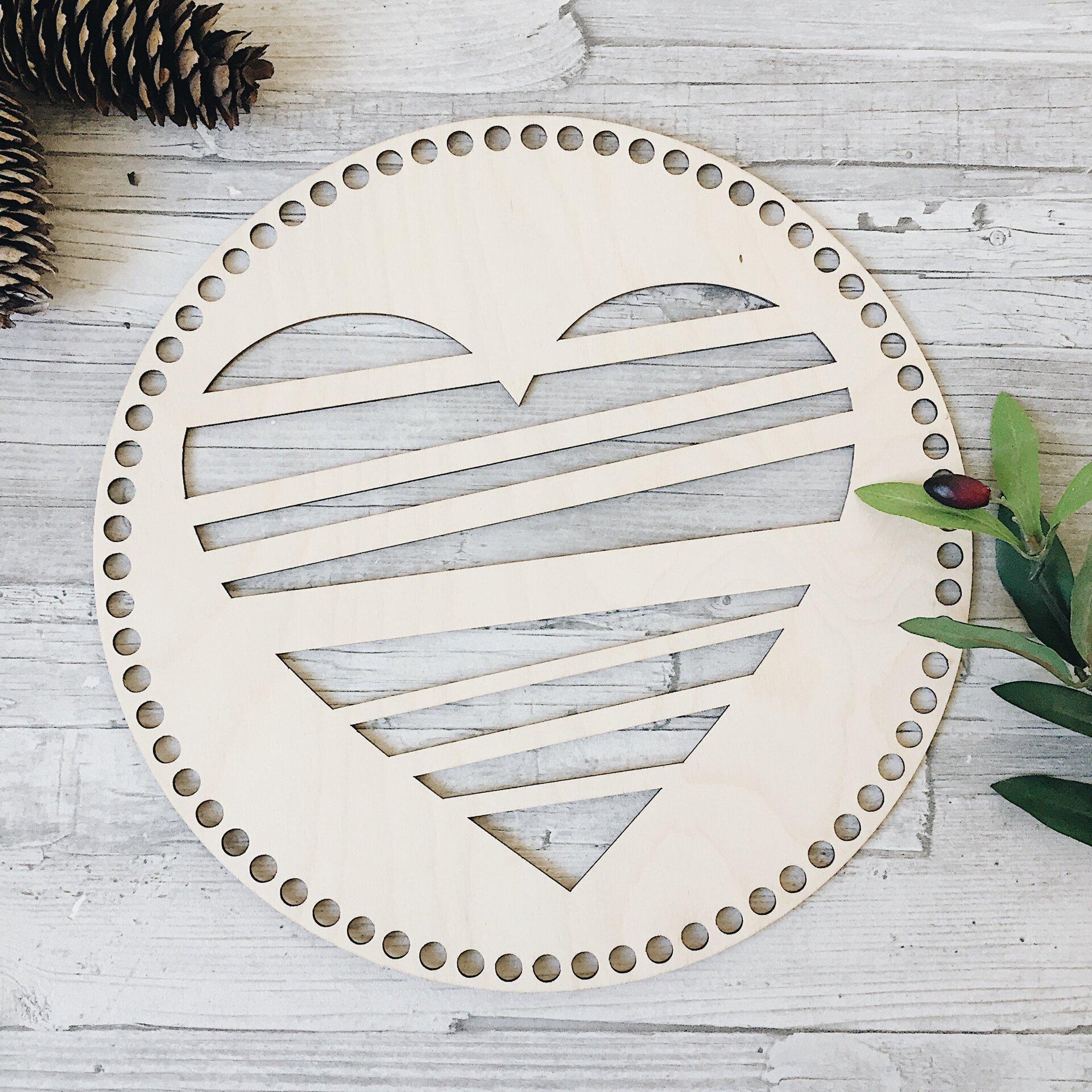 Деревянная резная крышка для корзинки, круг с сердцем 30см - фото pic_ee6031c7d7be5df_1920x9000_1.jpg