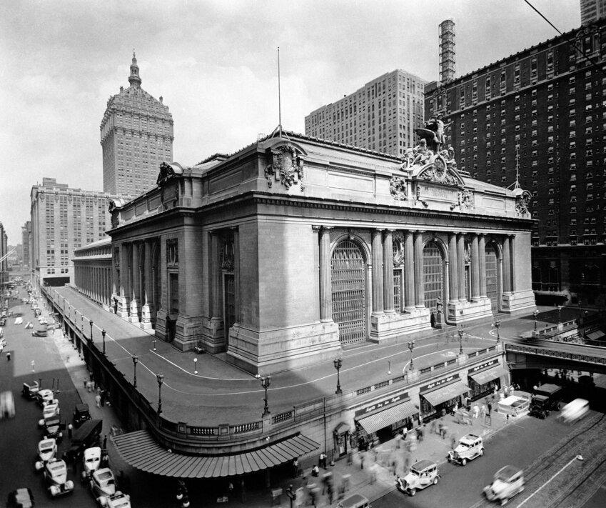 Крупнейший в мире железнодорожный вокзал, 44 платформы, больше 100 лет - фото pic_48723affef091dc1c9262ee65b897f87_1920x9000_1.jpg