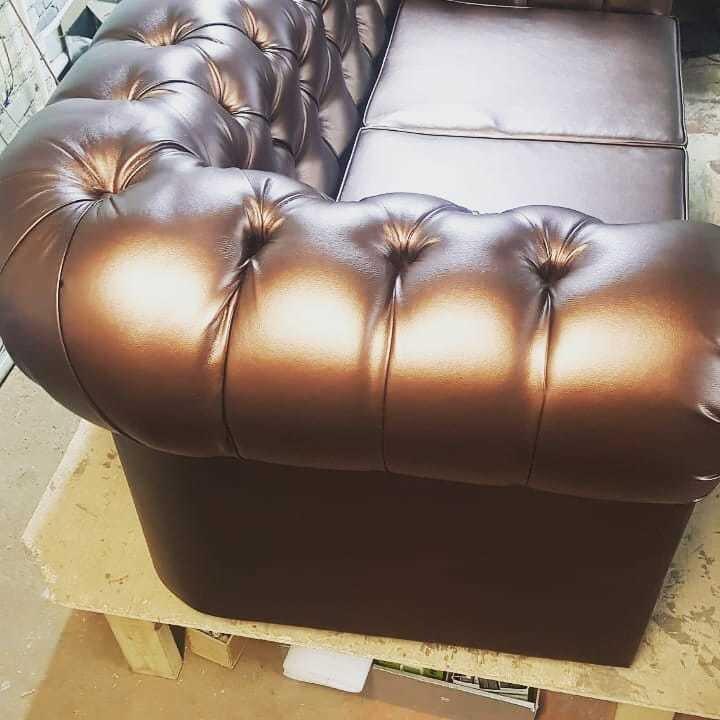 Диван с каретной стяжкой Честер 2х местный (165см) эко кожа цвет коричневый - фото pic_69fd518d944c57a8502b9a6c395c0e78_1920x9000_1.jpg