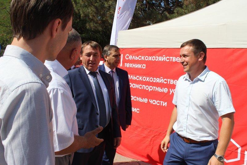 Подведение итогов уборочной кампании зерновых культур 2018 года в Крыму - фото pic_faf2122e43086ee_1920x9000_1.jpg