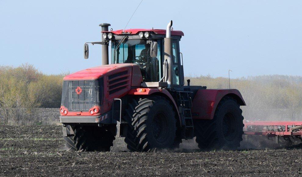 Трактор КИРОВЕЦ К-730 «СТАНДАРТ» (К-744Р1)