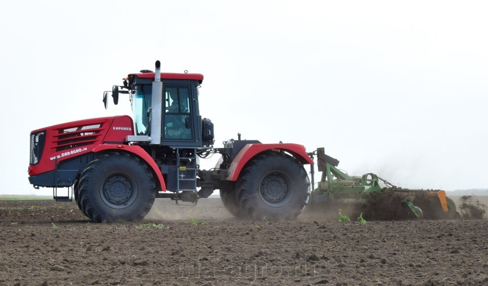 Трактор КИРОВЕЦ К-742 «ПРЕМИУМ» (К-744Р4)
