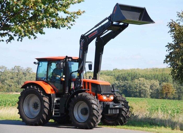 Трактор Террион с погрузчиком STOLL