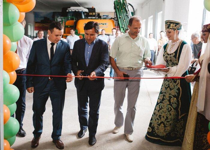 Торжественное открытие класса Амазоне в Крыму, Симферополе