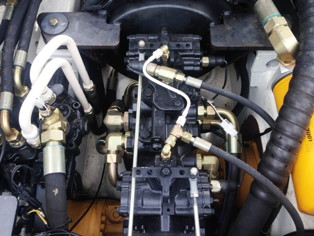 Погрузчик с бортовым поворотом Lonking CDM312 - фото pic_8be58f44182cacb136cedbbf1ca850b8_1920x9000_1.jpg