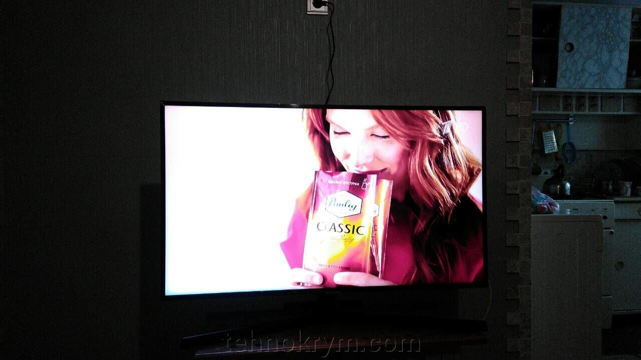 Доставка телевизора Samsung UE43NU7400U в Ялту. - фото Samsung UE43NU7400U