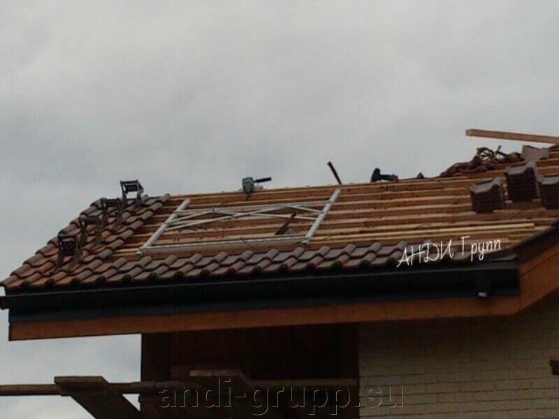 Солнечный коллектор на черепичной крыше; - фото Подготовительные работы для установки солнечного коллектора