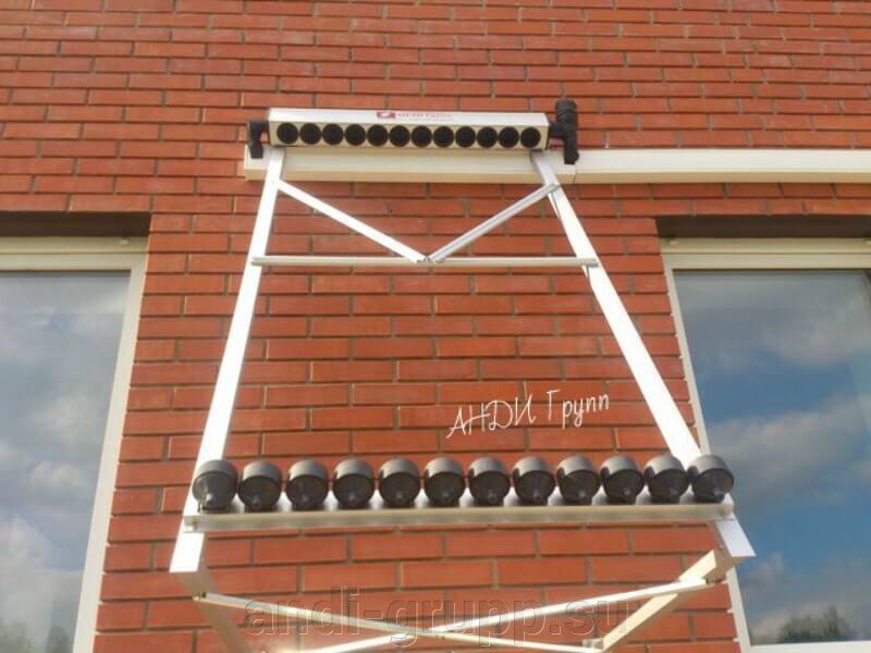 Гелиосистема для ГВС - фото Монтаж солнечного коллектора на стене дома