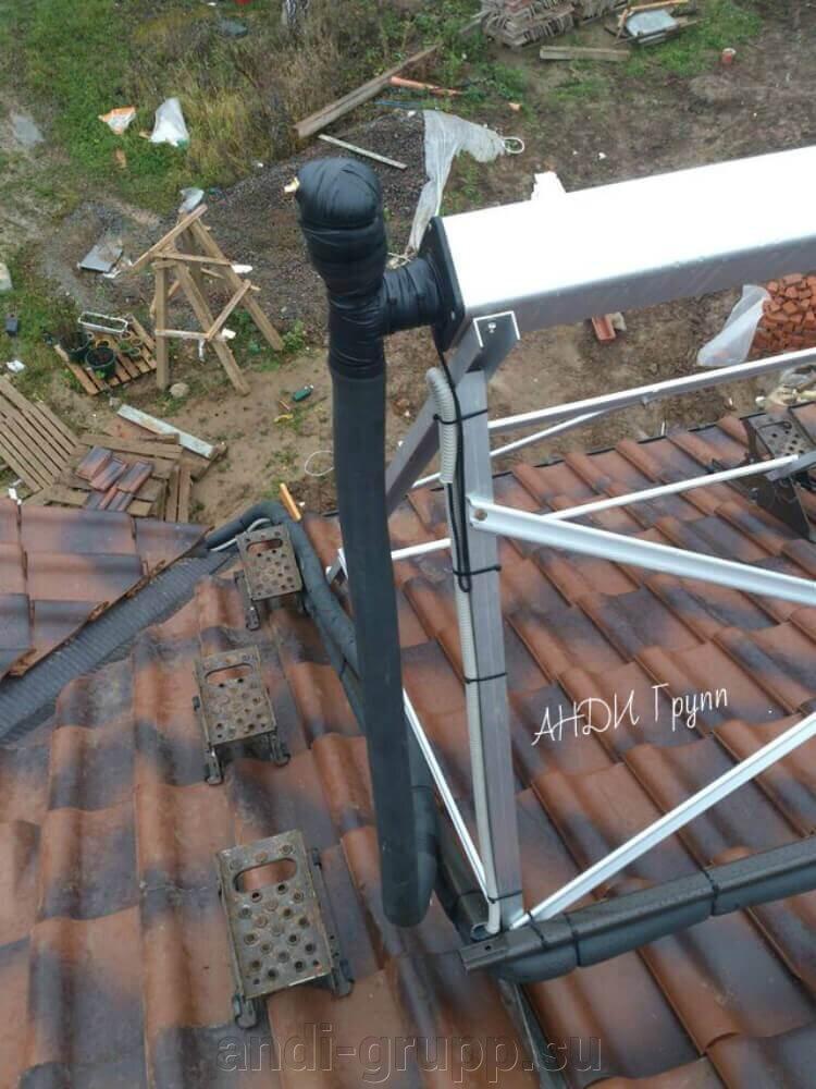 Солнечный коллектор на черепичной крыше; - фото Утепление труб солнечного коллектора