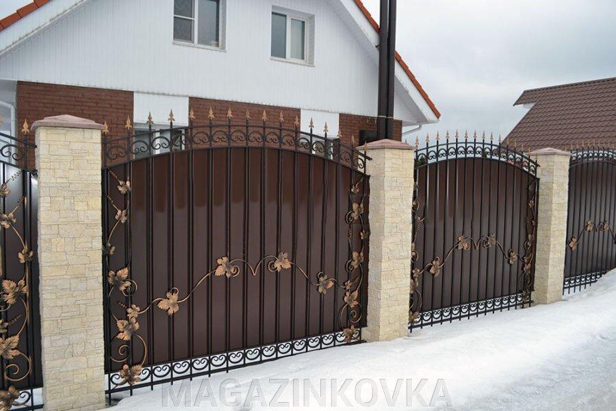 Заборы/ограждения кованые металлические - фото pic_cebab4b8de6f74e89fce433d59e7f230_1920x9000_1.jpg