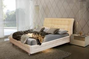 Кровать с мягким изголовьем Светлозара
