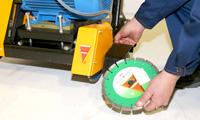 Возможность установки двух отрезных дисков